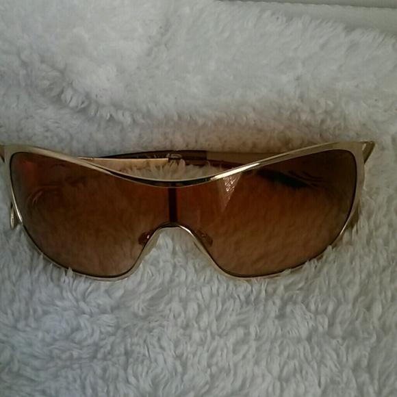 fd5c22c2885 Oakley Women s Sunglasses. M 5b006cca85e605f73dfb484f